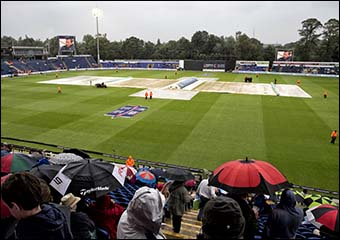 Photo of hover cover at Sophia Gardens during match