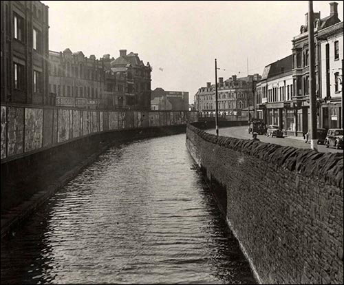 cardiff_mill_lane_with_canal