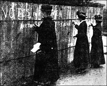 Photo of suffragettes