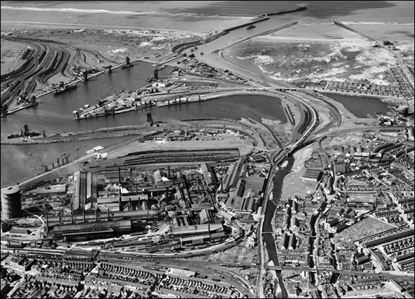 Photo of Port Talbot and docks in 1947