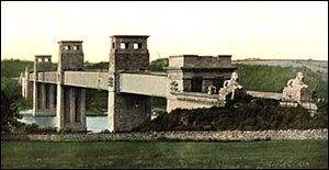 Photo of Britannia Bridge before the fire