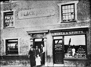 Old photo of Black Horse Inn, Conwy