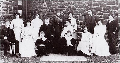 conwy_gyffin_rector_and_family