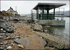 deganwy_beach_shelter_after_storm
