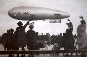 Photo of airship at Llandudno