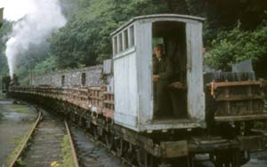 photo_of_padarn_railway_train