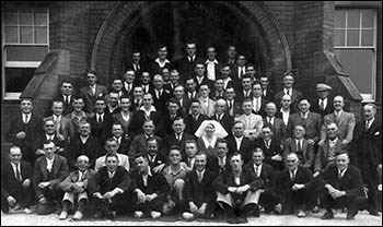 Photo of miners and staff at Colet House