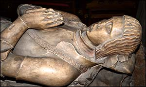 Photo of John Eyton effigy